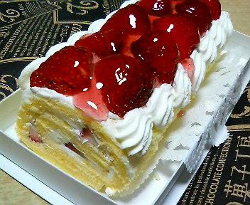 T2いちごのロールケーキ
