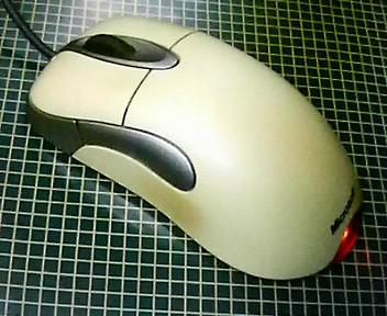 マウスの横のボタン